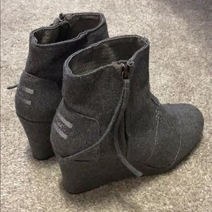 Toms Gray Booties Size 6 Great Condition!